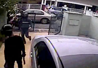 Daylight robbery in Malaysia caught on video