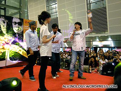 纵贯线 (Super Band) in Singapore