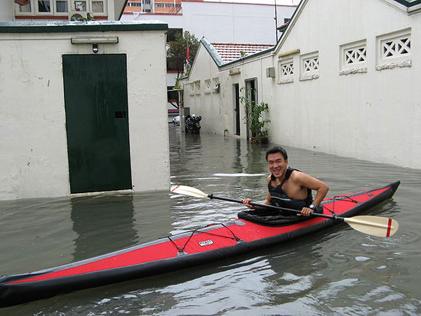 Flood Again? You can always canoe on the Singapore street