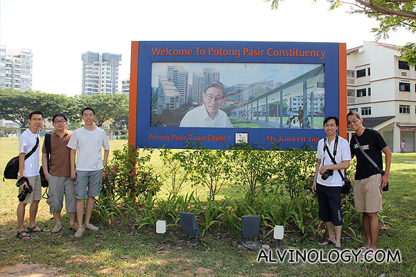 "Singapore's Newest Tourist Spot - The ""Welcome to Potong Pasir"" Billboard featuring Chiam See Tong - Alvinology"