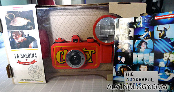 Toying with the La Sardina for the LoBlography Blogger Challenge Singapore - Alvinology