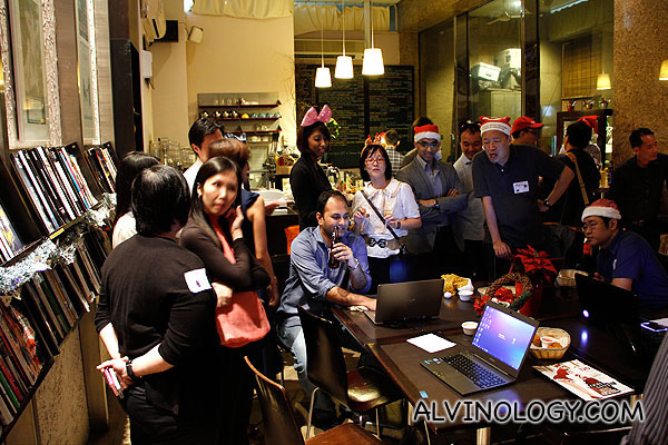 """""""Family Time"""" at Book Cafe with Microsoft - Alvinology"""