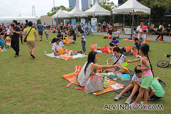 Rise & Shine Carnival 2013 @ The Lawn, Marina Bay  - Alvinology