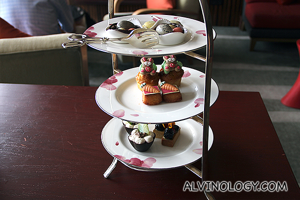 Easter Delights Afternoon Tea @ Axis Bar and Lounge in Mandarin Oriental, Singapore