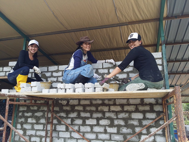 Build a house for a family in Malaysia or Nepal - Alvinology