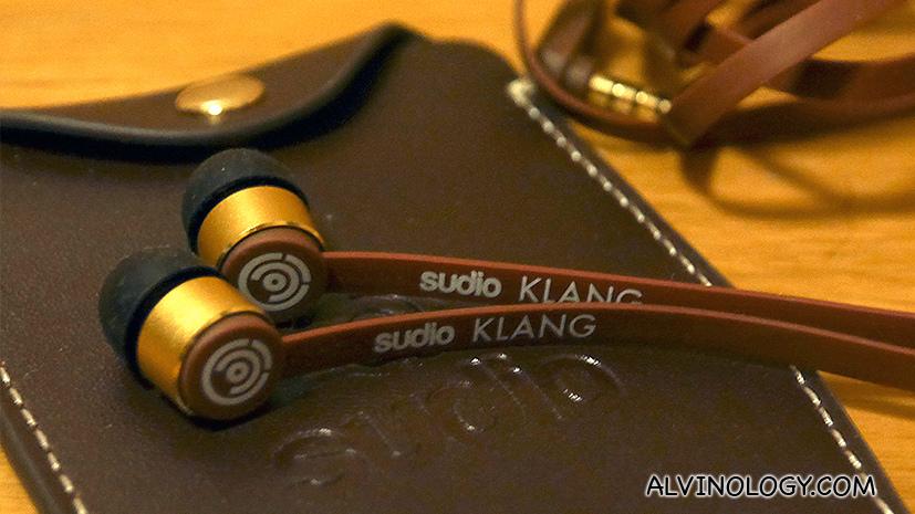 [Giveaway] Stylish Swedish Sudio Earphones