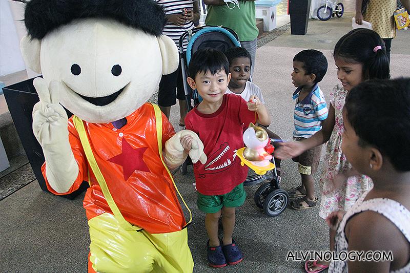 HDB Heartland Shopping: 5 Great Finds at Limbang Shopping Centre