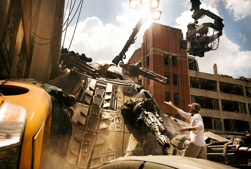 Behind The Scene and First Look at Transformers: The Last Knight - Alvinology