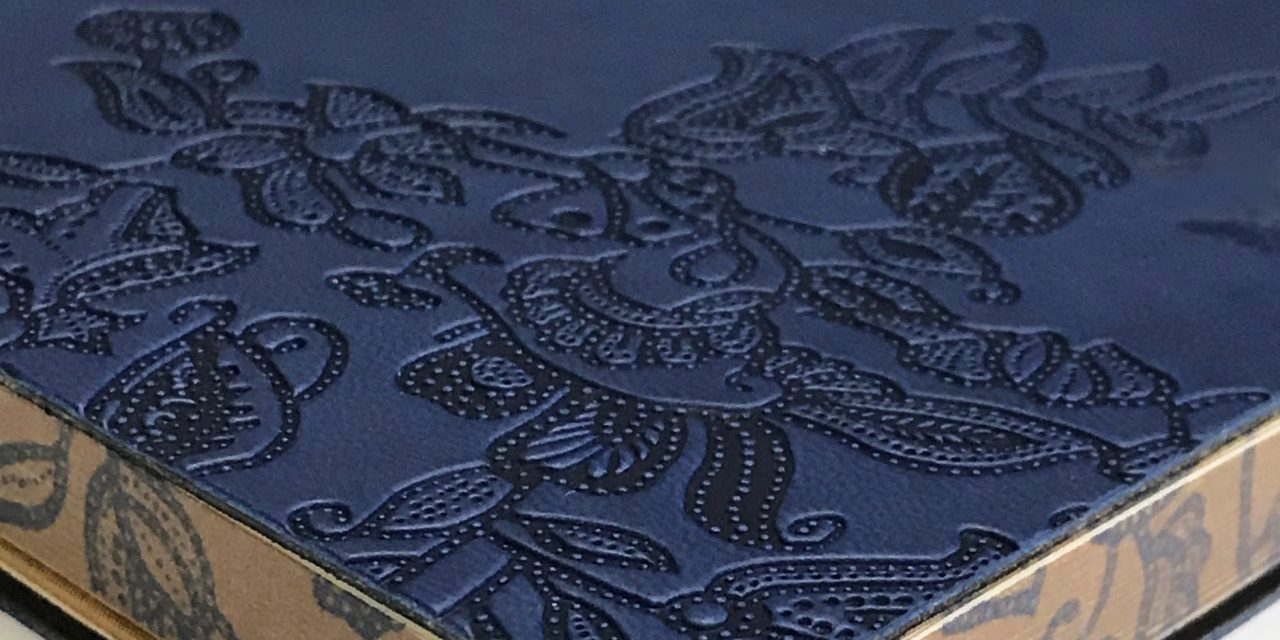 Own a limited-edition SIA Batik Journal by Collins on your next Singapore Airlines flight