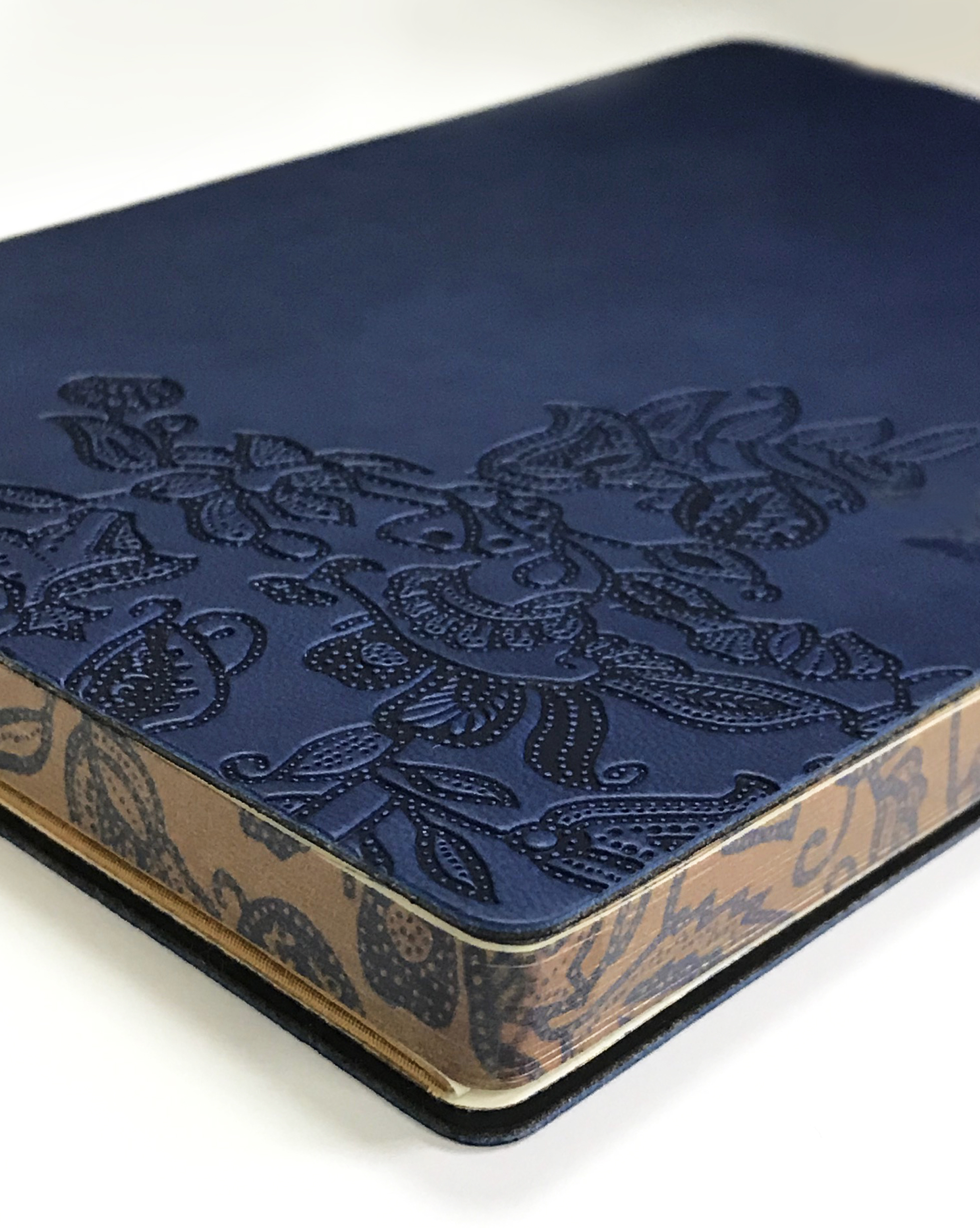 Own a limited-edition SIA Batik Journal by Collins on your next Singapore Airlines flight - Alvinology