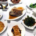 Deep-fried Pomfret in 'Feng Sha' Style 风沙昌鱼 ($28++)