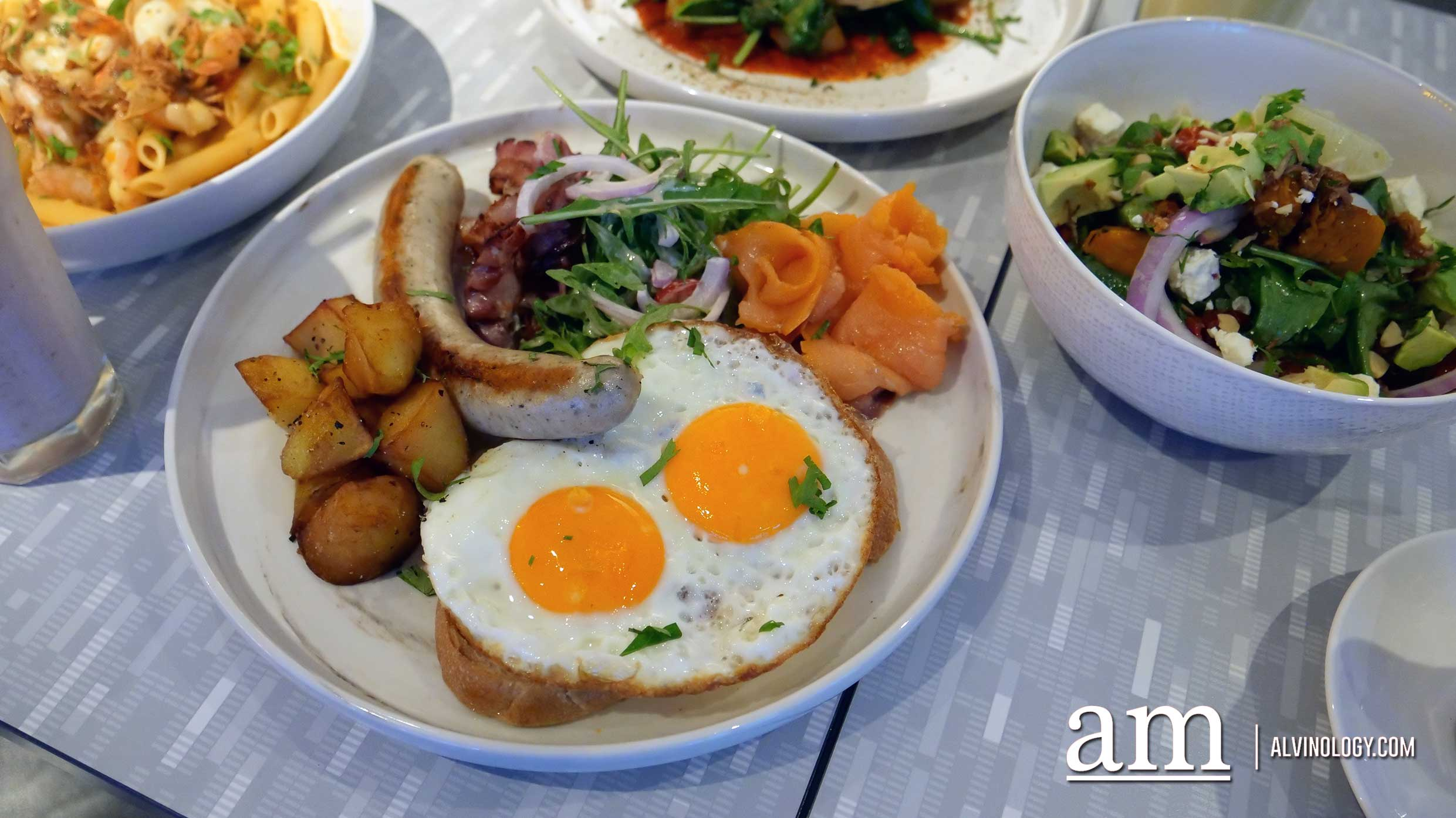 SMH Big Brunch (S$24) - Smoked salmon, streaky bacon, Italian sausage, potatoes, side salad, fried eggs, sour dough toast