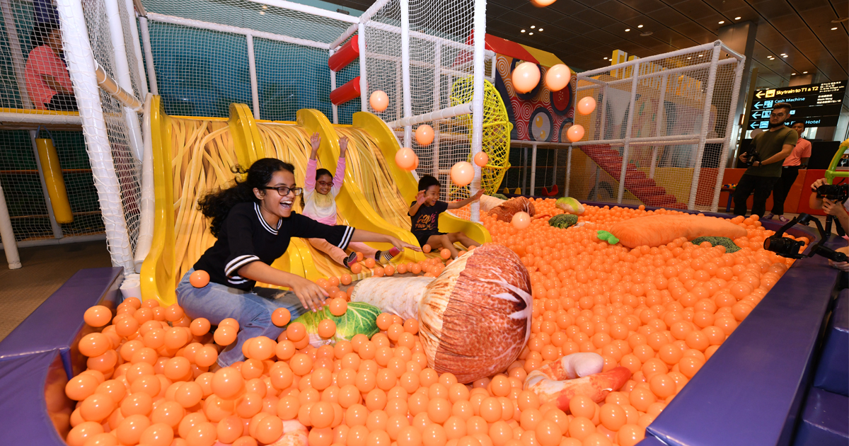 Jump into a series of exclusive activities and promotions at Changi Airport until 13 October - Alvinology