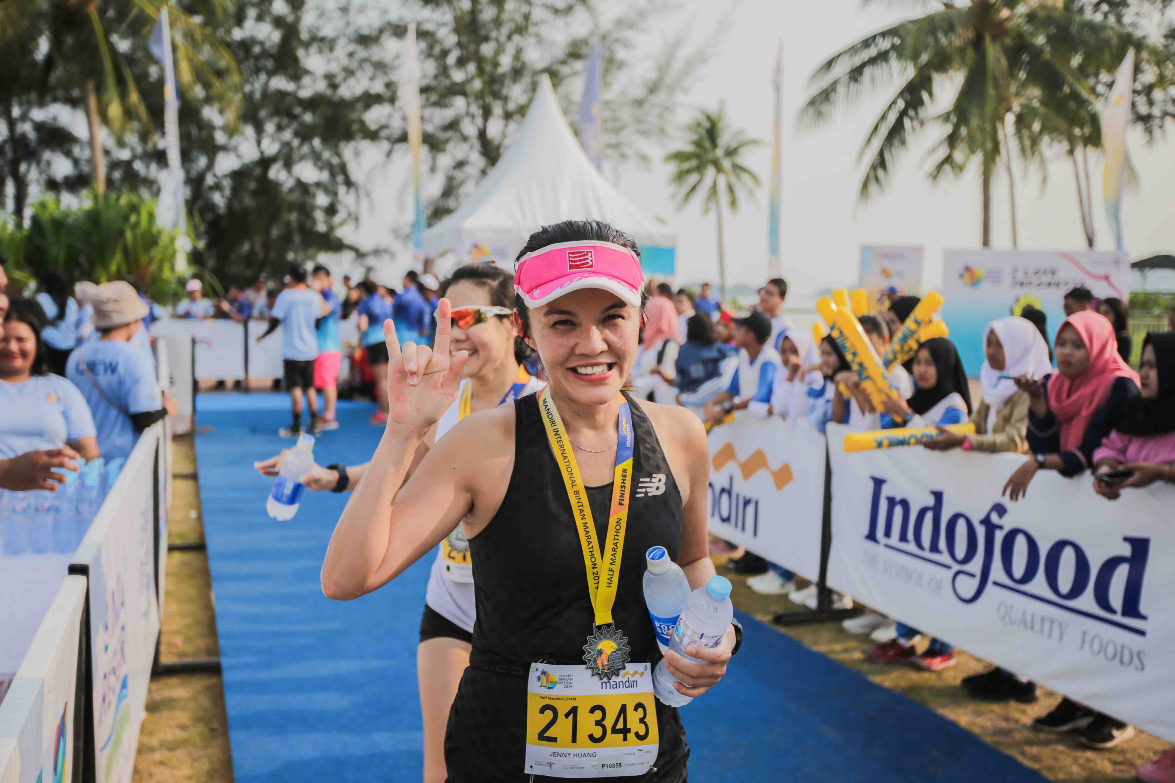 enny Huang, a seasoned marathoner and one of Mandiri Bintan Marathon's ambassador from Singapore participated in the 21km Half Marathon category