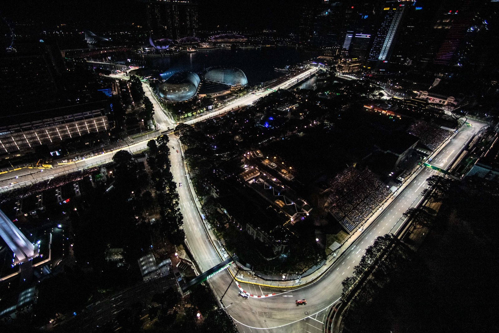 Haze? Not a Problem. 12th Formula 1 Singapore Grand Prix Still Attracts Record Second Highest Attendance - Alvinology