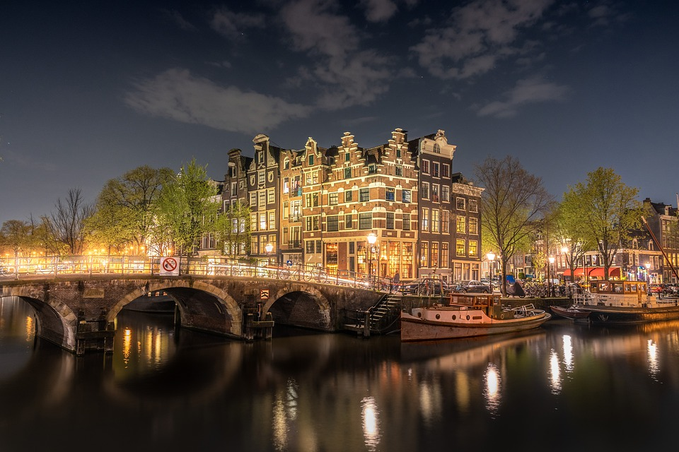 Here Are 5 Must-See Places On Your Next Trip to Amsterdam