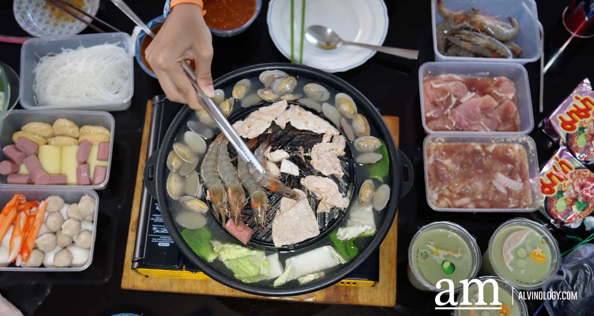 Mookata and beancurd delivered to your home Together? Now possible with new parternership between Siam Square Mookata and Rochor Beancurd House - Alvinology