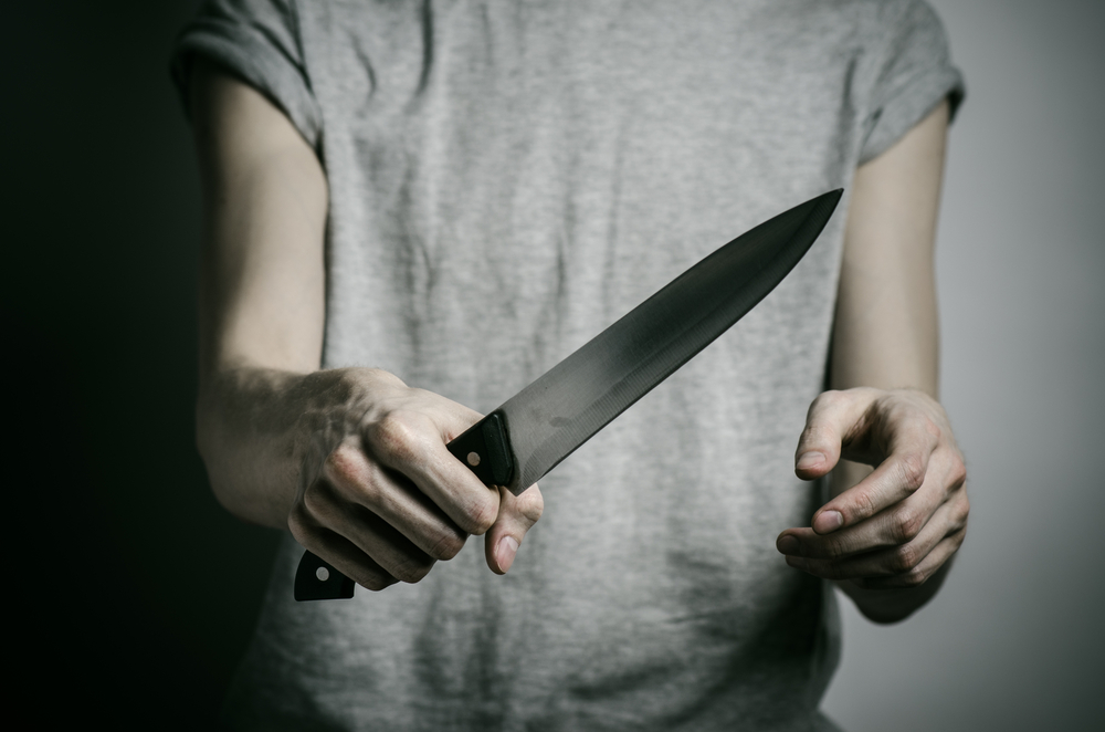 54-year-old man threatens 45-year-old ex with nude photo leak and knife - Alvinology