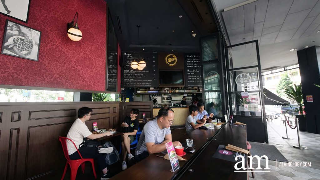 [Review] New Juicy Lucy Burger and Dry-aged patty upgrade option at 25 Degrees Singapore at hotel G - Alvinology