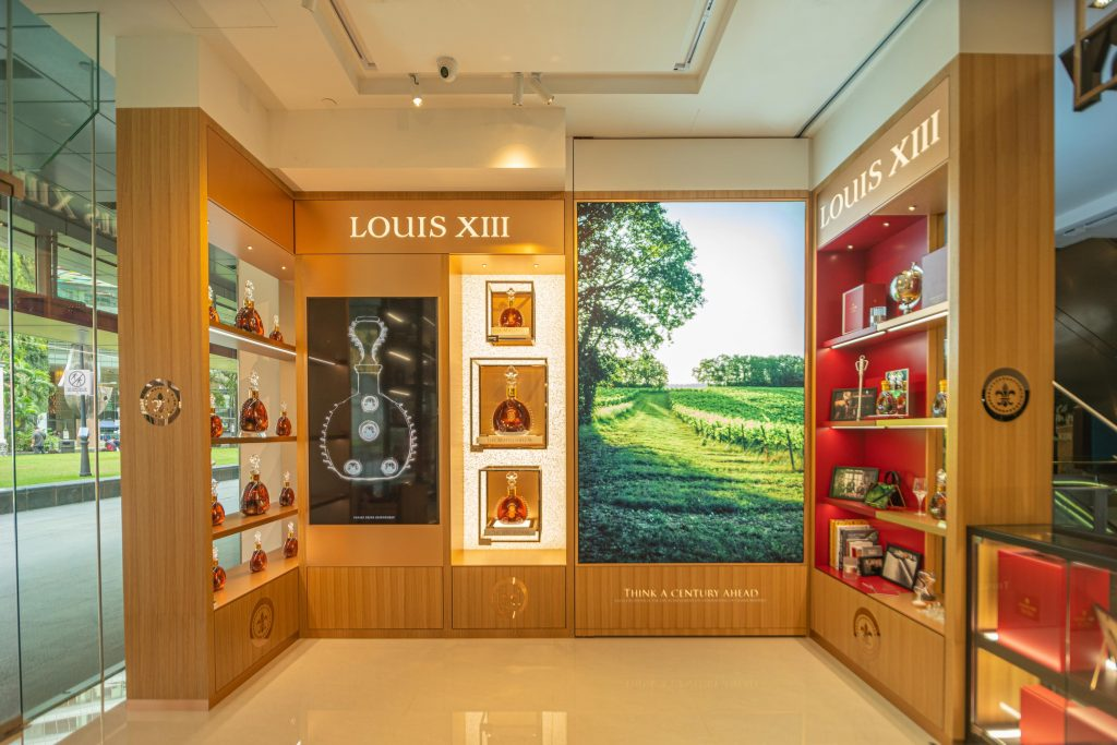 Louis XIII Cognac opens its first permanent shop-in-shop at The Whisky Distillery – the first in Southeast Asia! - Alvinology