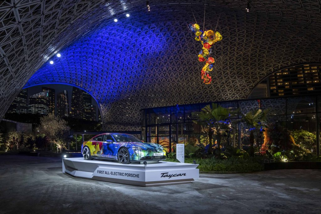 World-renowned artist Dale Chihuly's majestic glass garden exhibition officially launches at Gardens by the Bay - Alvinology