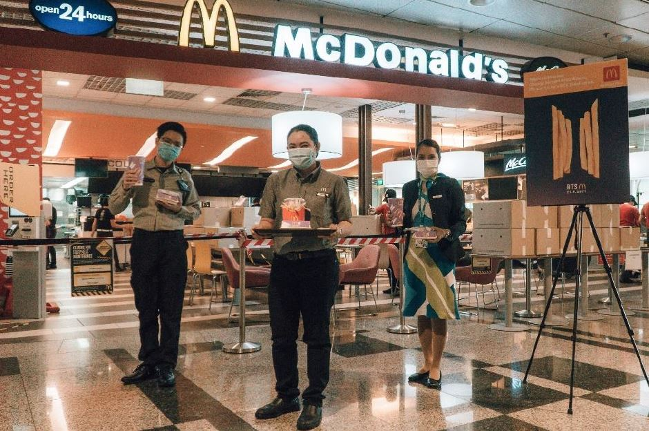 McDonald's Singapore extends its heartfelt thanks to Changi Airport's Frontline Heroes by giving away 2,000 BTS Meals - Alvinology