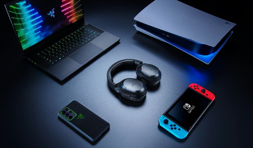 The new Razer Barracuda X 4-in-1 headset is the perfect gaming companion that is compatible with multiple devices – one headset to play them all! - Alvinology