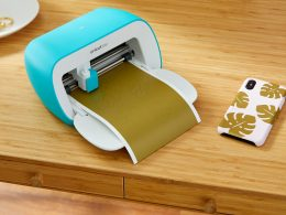 DIY fun: Customize sticker decals and cards with Cricut Joy - Alvinology