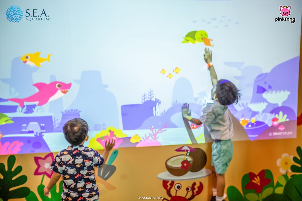 Children can meet and have fun with Pinkfong and Baby Shark as they visit the Fin-tastic Friends at S.E.A. Aquarium! - Alvinology