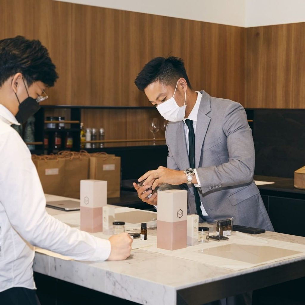 UNIQLO Singapore presents new e-commerce offerings and in-store workshops for the whole month of October - Alvinology