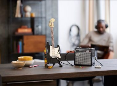The iconic Fender Stratocaster guitar has now been meticulously reimagined in LEGO bricks! See the LEGO Ideas Fender Stratocaster set here – - Alvinology